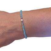 Trans armband i halvädelstenar (19cm)